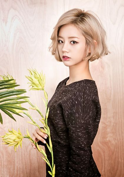 Tags: K-Pop, Girls' Day, Lee Hyeri, Cute, Sexy Pose, Gray Hair, Suggestive, Sweater, Android/iPhone Wallpaper