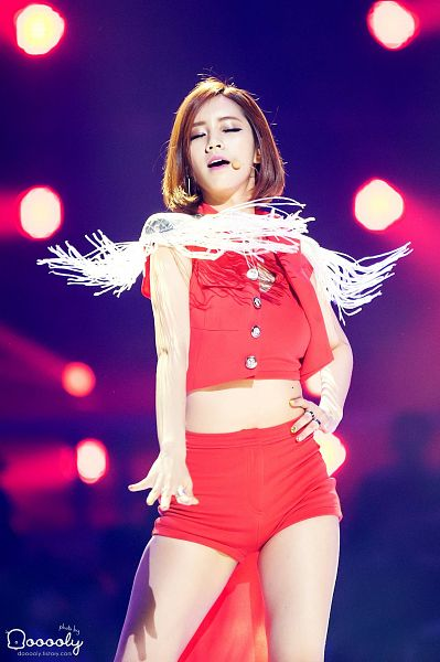 Tags: K-Pop, Girls' Day, Lee Hyeri, Ring, Bare Shoulders, Red Shirt, Red Outerwear, Medium Hair, Bare Legs, Make Up, Eyes Closed, Red Jacket