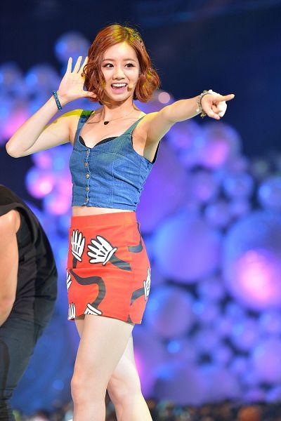 Tags: K-Pop, Girls' Day, Lee Hyeri, Bracelet, Hand In Hair, Lingerie, Armpit, Pointing, Bra, Red Skirt, Sleeveless, Bare Shoulders