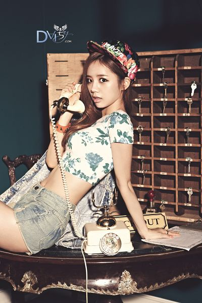 Tags: K-Pop, Girls' Day, Lee Hyeri, Shorts, Dark Background, Sitting On Table, Hat, Denim Shorts, Floral Shirt, Table, Denim Jacket, Midriff