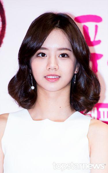 Tags: K-Pop, Girls' Day, Lee Hyeri, Mobile Wallpaper