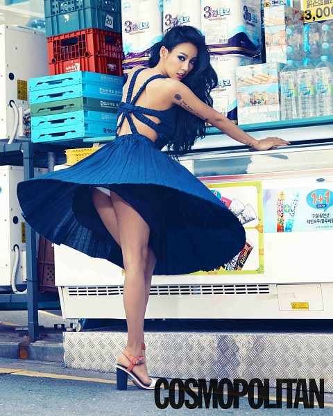 Tags: K-Pop, Lee Hyori, Skirt, Looking Back, Suggestive, Panties, Upskirt, High Heels, Lingerie