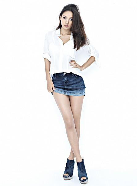 Tags: K-Pop, Lee Hyori, Hand On Hip, High Heels, Lifting Skirt