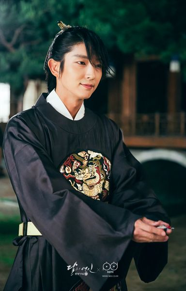 Tags: K-Drama, Lee Jun-ki, Belt, Night, Traditional Clothes, Korean Clothes, Black Outfit, Android/iPhone Wallpaper, Moon Lovers: Scarlet Heart Ryeo