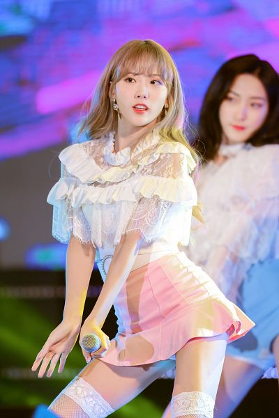 Lee Luda - Cosmic Girls