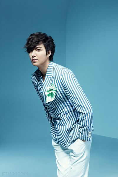 Tags: K-Drama, Lee Min-ho, Striped, White Pants, Hand In Pocket, Striped Jacket, Android/iPhone Wallpaper