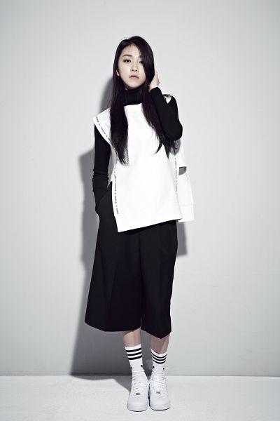 Lee Suji - Uni.T