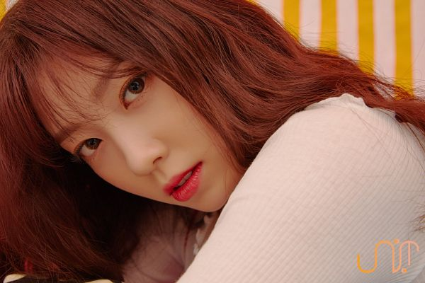 Tags: K-Pop, Uni.T, Lee Suji, Sitting, Red Lips, Wavy Hair, Bent Knees, Striped Background, Close Up