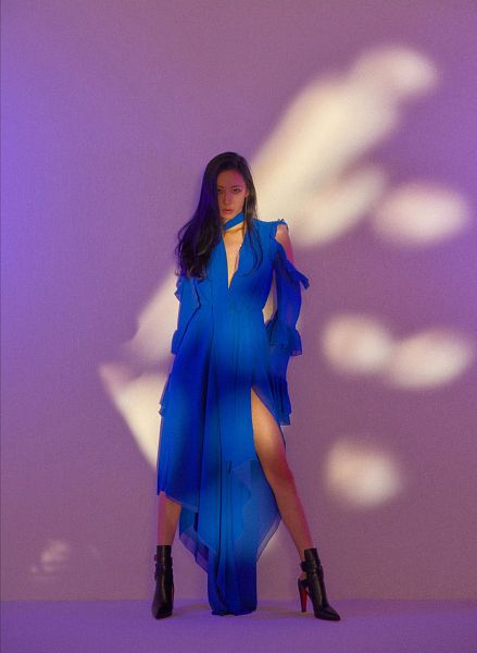 Tags: MAKEUS Entertainment, K-Pop, Heroine, Lee Sunmi, Contact Lenses, Blue Outfit, High Heeled Boots, Black Footwear, High Heels, Blue Dress, Boots, Purple Background