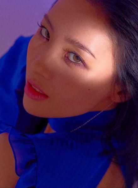 Tags: MAKEUS Entertainment, Wonder Girls, Heroine, Lee Sunmi, Purple Background, Blue Outfit, Contact Lenses, Close Up, Blue Dress