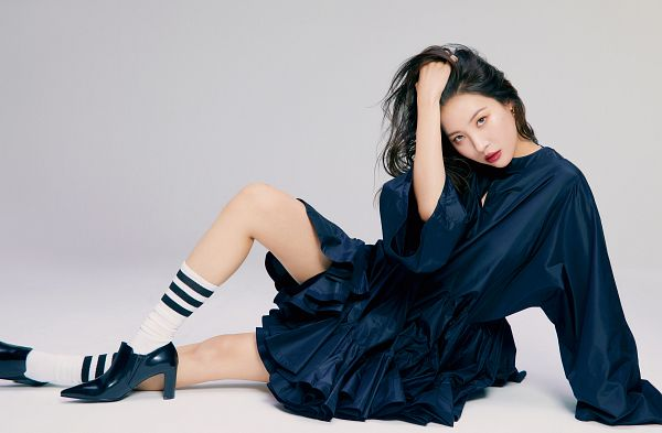 Tags: K-Pop, Lee Sunmi, Black Footwear, Light Background, Blue Dress, White Background, Blue Outfit, Socks, High Heels, Sitting On Ground, Hand In Hair