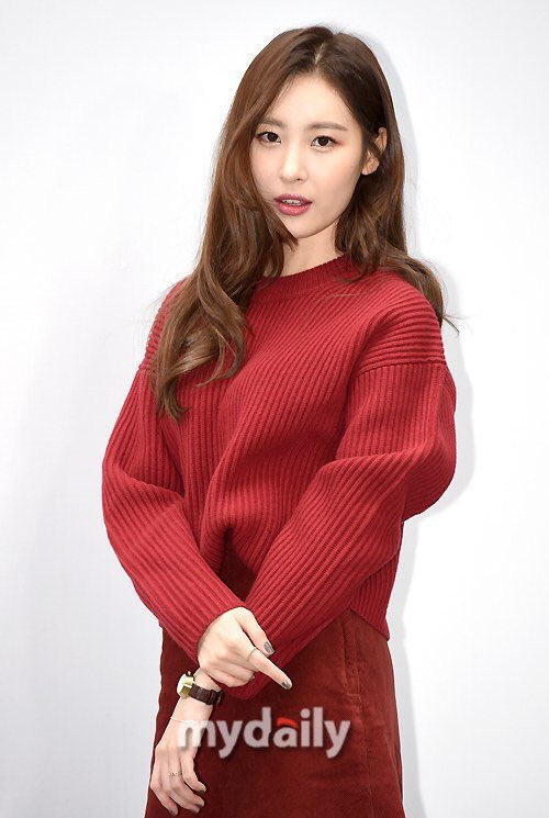 Tags: Wonder Girls, Lee Sunmi, Light Background, Nail Polish, White Background, Red Outfit, Ring, Make Up, Bracelet, Watch