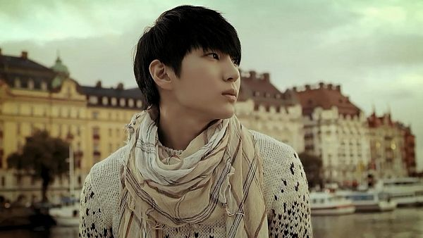 Tags: K-Pop, VIXX, Leo, Scarf, Looking Away, Outdoors, Sweater, Wallpaper