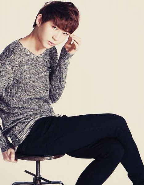Tags: K-Pop, VIXX, Leo, Sweater, Crossed Legs, Black Pants, Sitting On Chair, Gray Shirt, Light Background, Chair, Hand On Head, White Background
