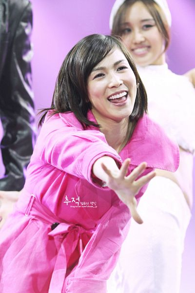 Tags: K-Pop, The Grace, Lina, Looking Ahead, Wave, Pink Background, Hold Out Hand, Pink Outerwear, Looking Up, Pink Jacket, Chase_Jy