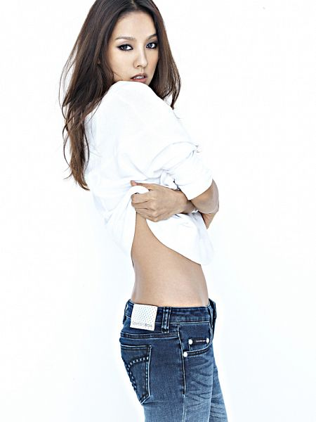 Tags: K-Pop, The Grace, Lina, Light Background, White Background, Shirt Lift, Jeans, Midriff
