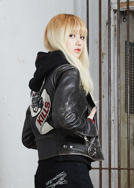 Tags: YG Entertainment, K-Pop, Black Pink, Lisa, Hoodie, Black Pants, Blunt Bangs, Back, Hand In Pocket, Leather Jacket, Android/iPhone Wallpaper, NONA9ON