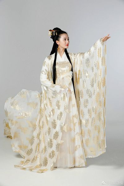 Tags: C-Drama, Liu Shishi, Hold Out Hand, Traditional Clothes, Chinese Clothes, Red Lips, Lost Love In Times