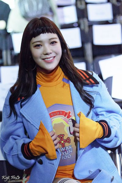 Tags: K-Pop, After School, Lizzy, Orange Shirt, Blue Outerwear, Sitting On Chair, Blue Jacket, Chair, Android/iPhone Wallpaper, Koji Frlz