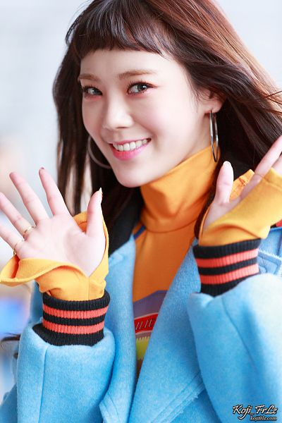 Tags: K-Pop, After School, Lizzy, White Background, Wave, Blue Outerwear, Orange Shirt, Blue Jacket, Light Background, Sweater, Android/iPhone Wallpaper, Koji Frlz
