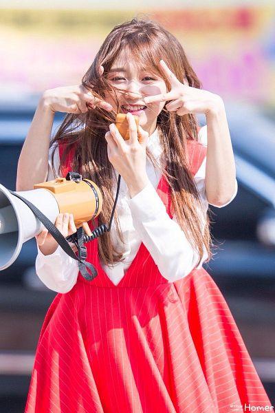 Tags: K-Pop, Lovelyz, Lee Mijoo, Ryu Sujeong