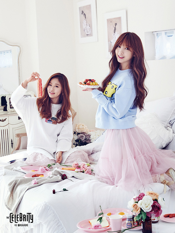 Tags: K-Pop, Lovelyz, Kei, Baby Soul, Duo, Fruits, Bread, Food, Meat, Two Girls, Egg, The Celebrity