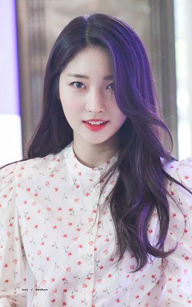 Lucia - Kim Sihyeon