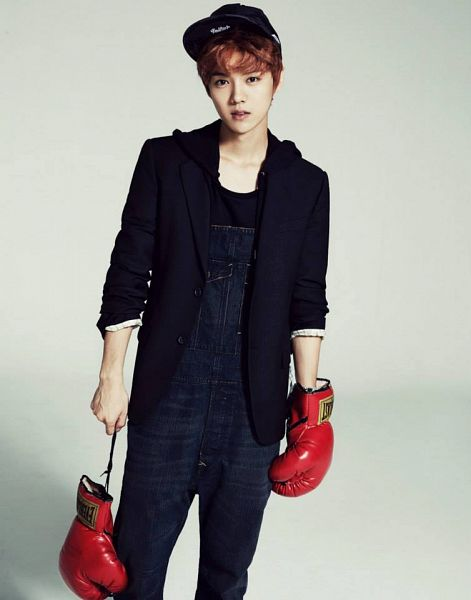 Tags: K-Pop, EXO, Luhan, Black Jacket, Overalls, Black Headwear, Gray Background, Gloves, Hat, Boxing Gloves