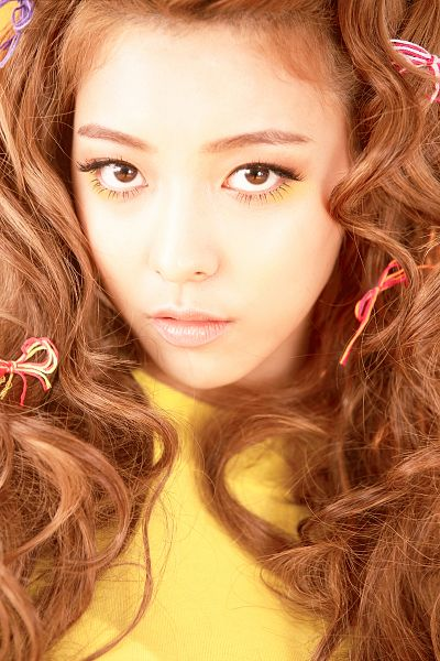 Tags: K-Pop, f(x), Luna, Yellow Shirt, 4 Walls, Android/iPhone Wallpaper