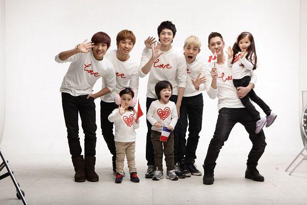 Tags: K-Pop, MBLAQ, Thunder, Recipon Leo, Lee Joon, Lauren Lunde, Mir, Dayoung (Hello Baby), G.O, Seungho, Black Pants, Brown Pants