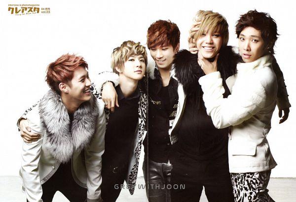 Tags: K-Pop, MBLAQ, Lee Joon, Mir, G.O, Seungho, Thunder, White Background, Hand On Shoulder, Full Group, Black Jacket, Ring