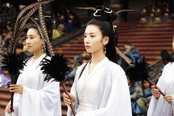 Tags: C-Drama, Ma Chunrui, Chinese Clothes, Traditional Clothes, White Outfit, Feather, White Dress, Serious, Stairs, Lost Love In Times