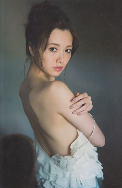 Tags: J-Pop, Nogizaka46, Mai Shiraishi, Bare Back, Bare Shoulders, Android/iPhone Wallpaper, Scan