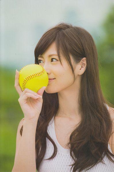 Tags: J-Pop, Nogizaka46, Mai Shiraishi, Sleeveless, Covering Mouth, Sleeveless Dress, Holding Object, Outdoors, Baseball Ball, White Dress, Looking Away, Bare Shoulders