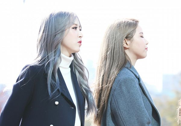 Tags: K-Pop, Mamamoo, Moonbyul, Solar, Duo, Two Girls