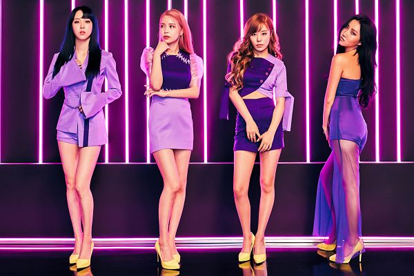 Tags: K-Pop, Mamamoo, Yes I am, Moonbyul, Solar, Hwasa, Wheein, Dark Background, High Heels, Pink Hair, Purple Shirt, Jacket