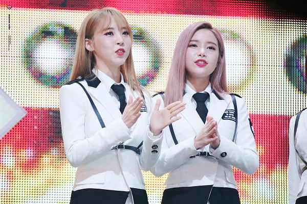 Tags: K-Pop, Mamamoo, Solar, Moonbyul
