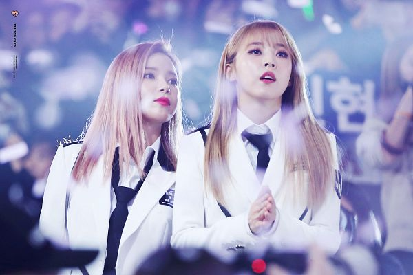 Tags: K-Pop, Mamamoo, Solar, Moonbyul