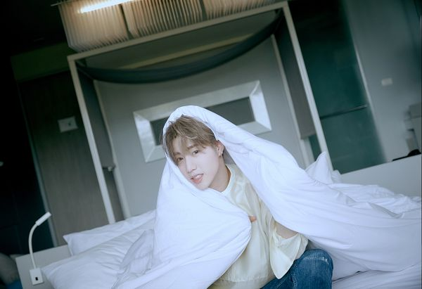 Tags: K-Pop, Got7, Mark, Jeans, On Bed, Blue Pants, Blanket, Bed, Serious, Pillow, Mark Yixia