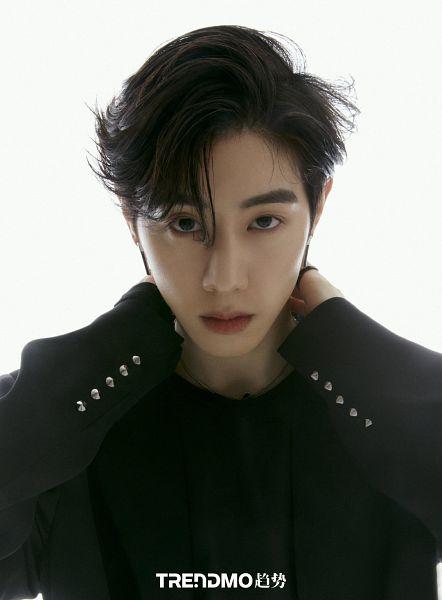 Tags: K-Pop, Got7, Mark, Hand On Neck, Light Background, Serious, White Background, Magazine Scan, Trendmo