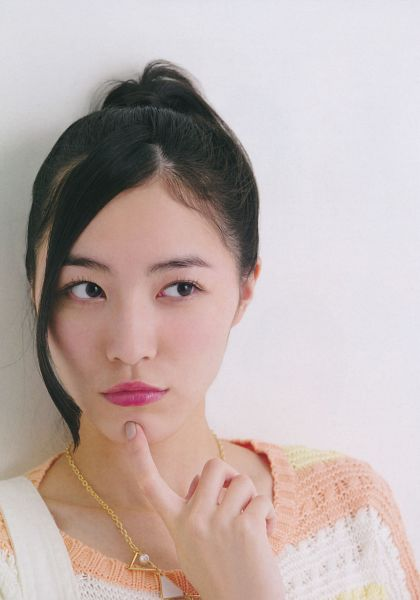 Tags: J-Pop, AKB48, SKE48, Matsui Jurina, Necklace, Hair Up, Sweater, Ponytail, Looking Away, Medium Hair, Gray Background, Scan