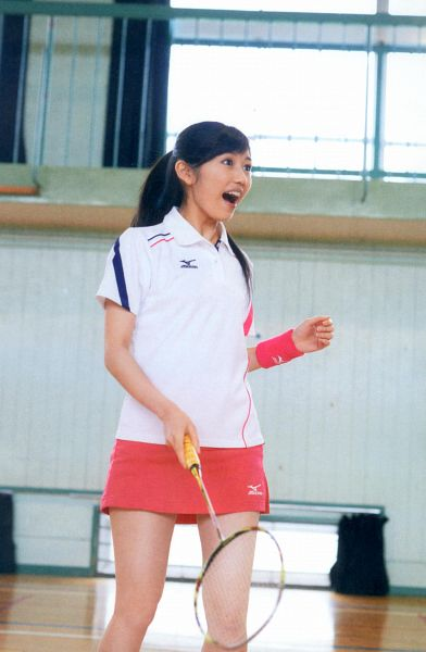 Tags: J-Pop, AKB48, Mayu Watanabe, Looking Away, Badminton, Android/iPhone Wallpaper, Seifuku Zukan Saigo no Seifuku Photobook, Scan
