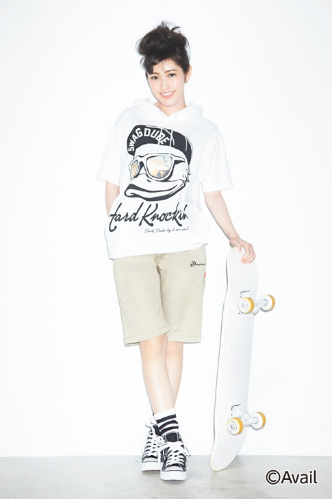 Tags: J-Pop, AKB48, Mayu Watanabe, Shoes, Black Footwear, Hair Up, Crossed Legs (Standing), Light Background, Skateboard, Sneakers, White Background, Brown Shorts