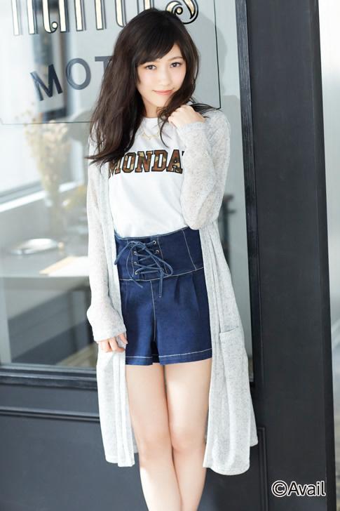 Tags: J-Pop, AKB48, Mayu Watanabe, Sweater, Gray Outerwear, Denim Skirt, Hand In Hair, Bare Legs, Skirt, Gray Jacket