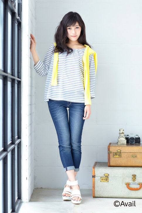 Tags: J-Pop, AKB48, Mayu Watanabe, Sandals, White Background, Brick Background, Camera, Yellow Outerwear, Window, Shoes, White Footwear, Striped Shirt