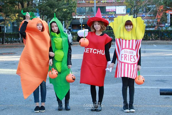 Tags: K-Pop, Melody Day, Na Yoo-min, Yeoeun, Chahee, Ahn Ye-in, Full Body, Fries, Black Outfit, Medium Hair, Full Group, Vegetables