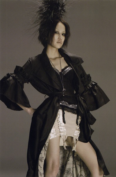 Tags: J-Pop, Mika Nakashima, Gray Background, Necklace, Bare Legs, Black Jacket, Skirt, Frown, Medium Hair, Collarbone, White Skirt, Black Headwear