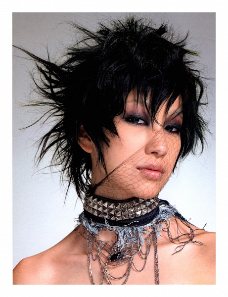 Tags: J-Pop, Mika Nakashima, Necklace, Gray Background, Collarbone, Close Up, Bare Shoulders, Medium Hair, Choker