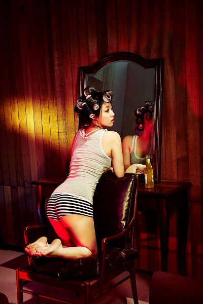 Tags: K-Pop, Miss A, Min, Sitting On Chair, Striped Shorts, Kneeling, Gray Shirt, Mirror, Back, Hair Up, Glass, Chair