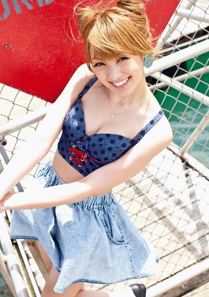 Tags: Gravure Idol, Minami Akina, Skirt